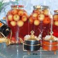 TOP 25 de rețete pas cu pas pentru fabricarea compotului de mere pentru iarnă