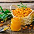 Una receta sencilla para hacer mermelada de espino amarillo para el invierno.