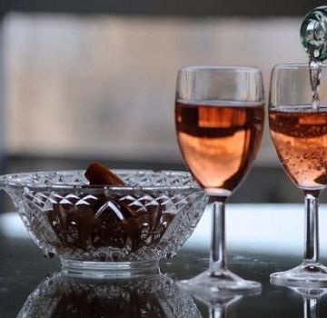 Waarom is zelfgemaakte wijn vies en hoe deze te repareren, preventiemethoden