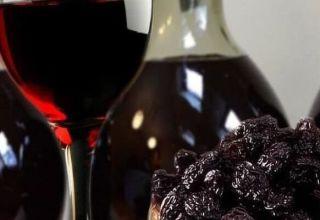 4 eenvoudige recepten om thuis pruimenwijn te maken