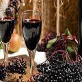 8 egyszerű recept madár-cseresznye bor készítéséhez otthon