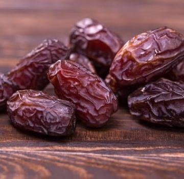 Description des variétés de dattes royales, leurs propriétés utiles et leurs inconvénients