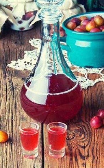 TOP 13 stapsgewijze recepten om thuis pruimenwijn te maken