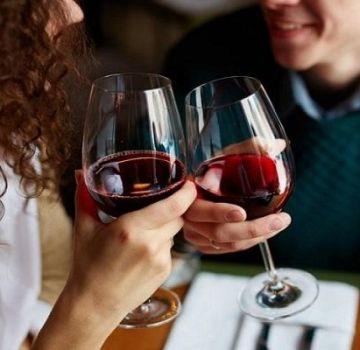 Wat zijn de voordelen van zelfgemaakte wijn en geneeskrachtige eigenschappen, contra-indicaties voor gebruik
