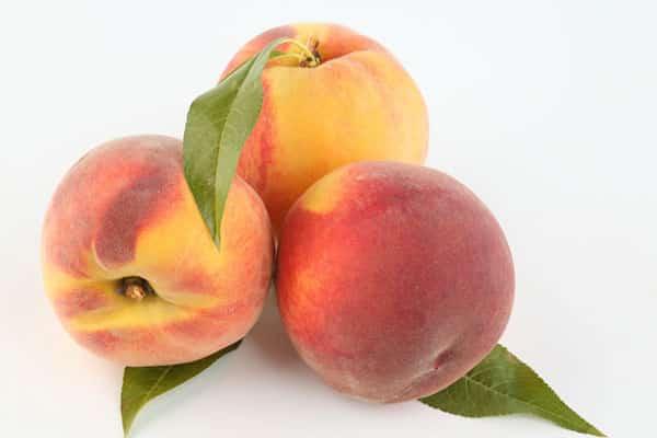 fructe de piersici