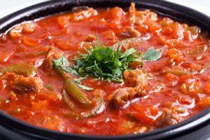 Cómo cocinar un salteado de verduras con berenjena y calabacín: las mejores recetas para una olla de cocción lenta, horno, cacerola