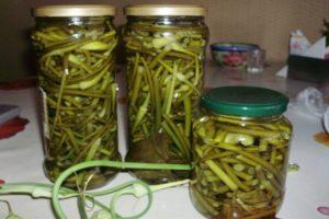 TOP 10 recetas de flechas de ajo en escabeche para el invierno, con y sin esterilización en casa