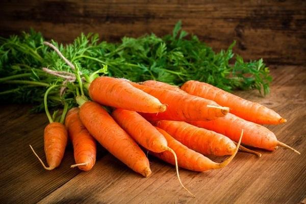 morcov pe masă