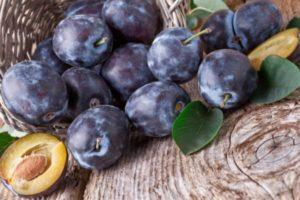 De ce fructele de prune au viermi și cum pot fi procesate