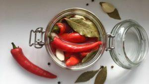 Öt legjobb recept az örmény paprika előállításához télen