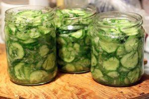 4 recepty krok za krokom na výrobu uhoriek s petržlenom a cesnakom na zimu